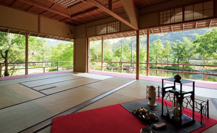 Traditional Japanese tea ceremony experience for beginners